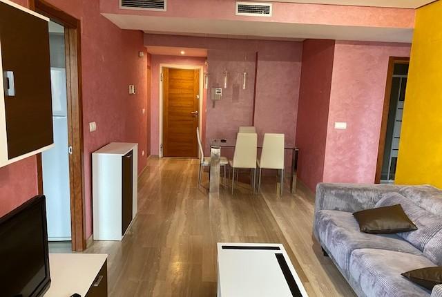 Wohnung zur Miete in Valencia. Luxusanlage.