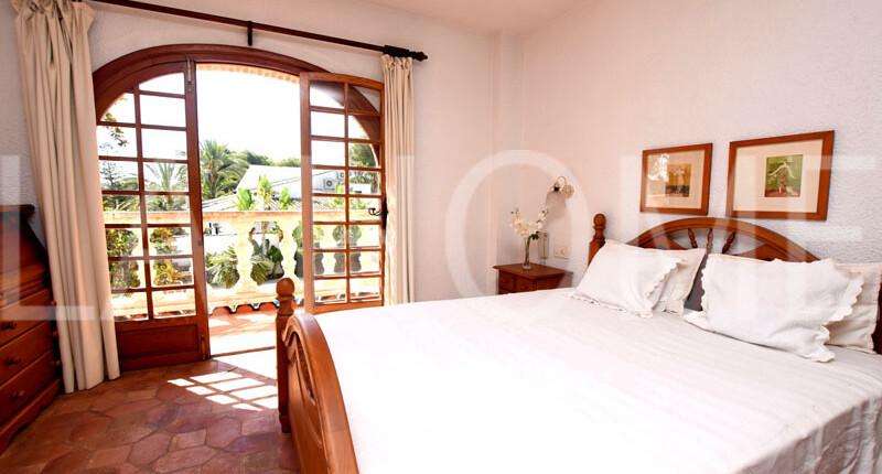 Leben Sie im Mittelmeer-Stil! Haus mit Pool und Garten im Villenviertel Valencias, La Cañada