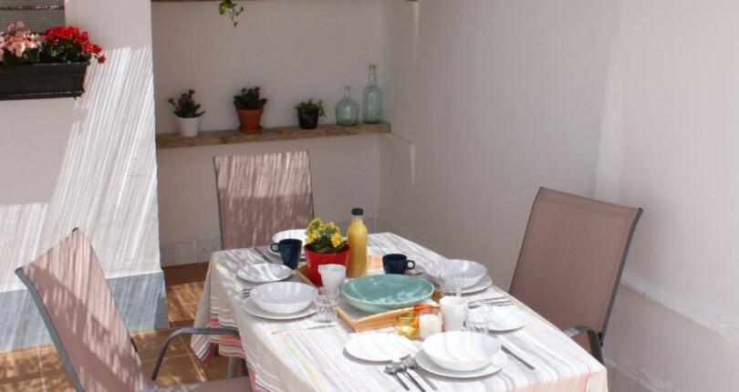 Zimmer für Studenten in einem entzückenden Häuschen (WG) zu vermieten in Valencia, El-Cabanyal