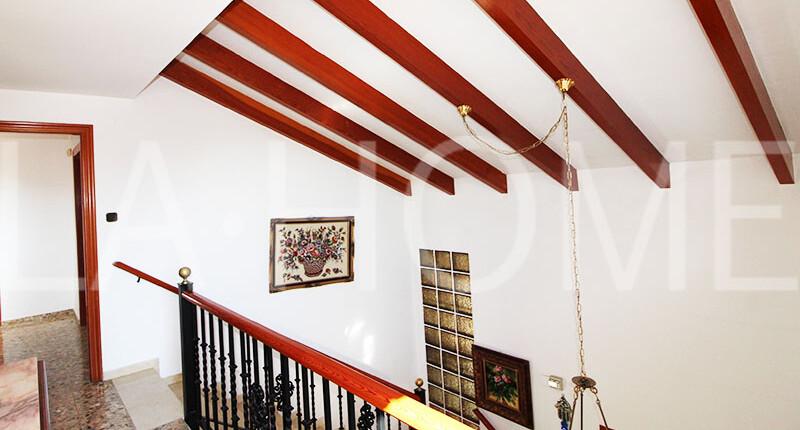 Großzügige Villa mit Pool zum Verkauf in La Eliana, Valencia