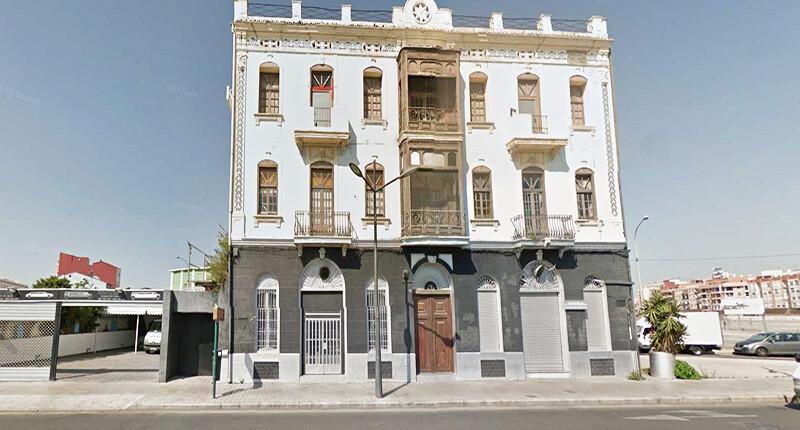 Teilrenoviertes Geschäftshaus in Valencia zu verkaufen (Anlageobjekt), Valencia Hafen